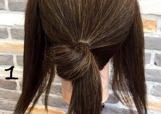 梅雨や暑い夏にオススメ!ロープ編みを使ったシニヨンでまとめ髪アレンジ♪1
