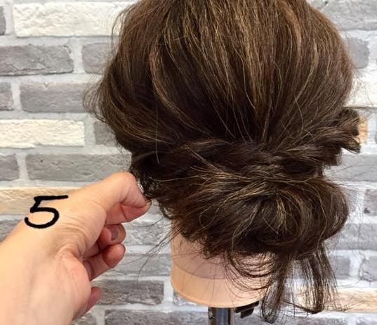 梅雨や暑い夏にオススメ!ロープ編みを使ったシニヨンでまとめ髪アレンジ♪5