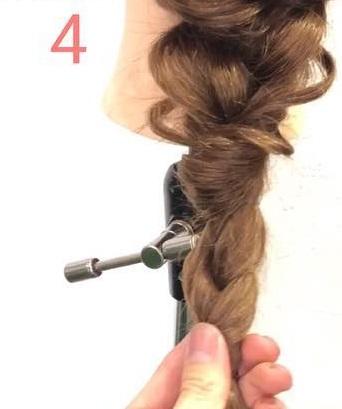 簡単だけど手の込んでる風に☆三つ編み×くるりんぱでつくる編みおろし♪4