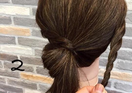 梅雨や暑い夏にオススメ!ロープ編みを使ったシニヨンでまとめ髪アレンジ♪2