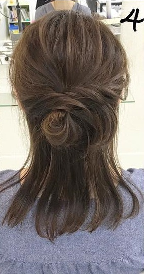 一工夫するだけで普段のお団子が大変身☆ゆるふわの可愛いヘアに!4