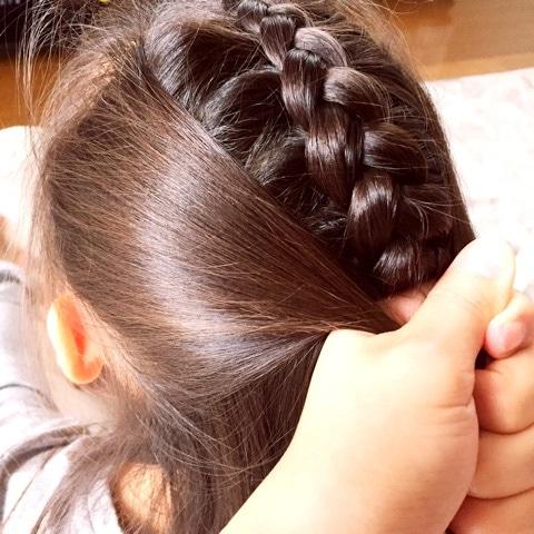 編み込み×フィッシュボーンで子どもが喜ぶアクティブアレンジ☆3