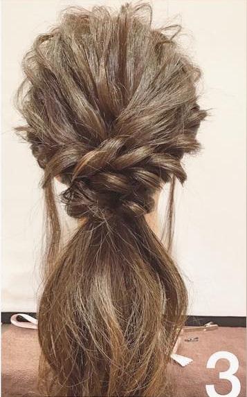 1人でも簡単!四つ編みで作る華やかな編み下しヘアー3