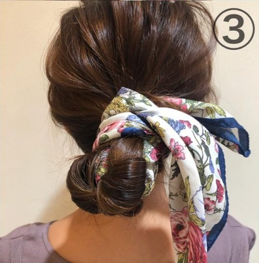 スカーフでヘアアレンジ!毛量関係なく綺麗にまとまるお団子ヘア♪3