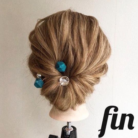 ヘアゴム1本で作るまとめ髪!ルーズ感が可愛いお団子くるりんぱ♪fin