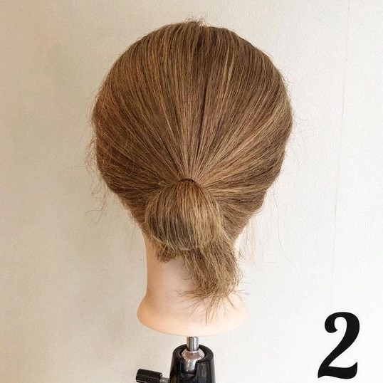 ヘアゴム1本で作るまとめ髪!ルーズ感が可愛いお団子くるりんぱ♪2