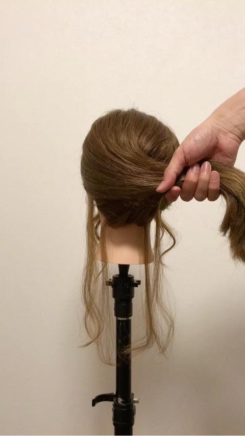 ふわっと可愛い♡おくれ毛を活かすアップヘア1