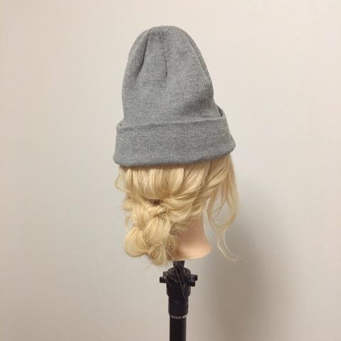 春のおしゃれファッション♡ニット帽アレンジTOP