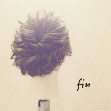 髪をアップにしてスッキリ☆形が可愛いセンタートップくるりんぱツイスト♪fin