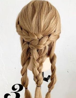 後ろ姿がとても可愛い♡三つ編みでできるヘアアレンジ3