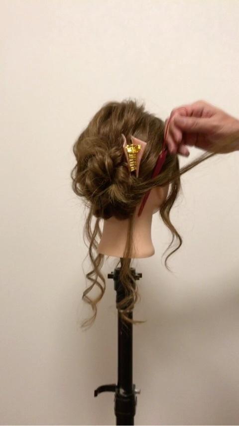 ふわっと可愛い♡おくれ毛を活かすアップヘア8