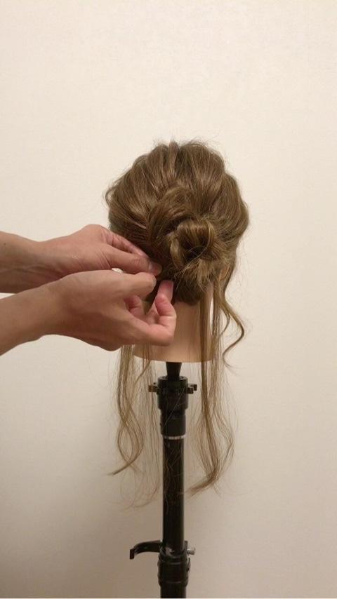ふわっと可愛い♡おくれ毛を活かすアップヘア5