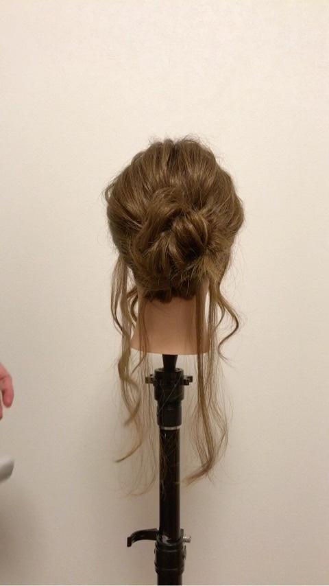 ふわっと可愛い♡おくれ毛を活かすアップヘア7