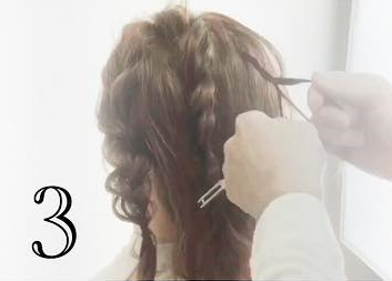 前から見ても後ろから見ても可愛い♡ミディアムヘアでできるお呼ばれローポニ3
