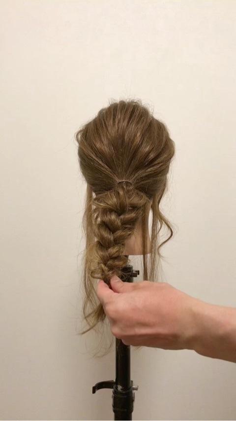 ふわっと可愛い♡おくれ毛を活かすアップヘア3
