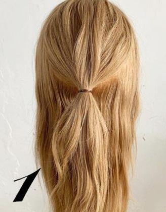 後ろ姿がとても可愛い♡三つ編みでできるヘアアレンジ1