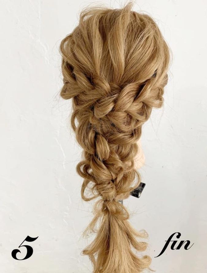 後ろ姿がとても可愛い♡三つ編みでできるヘアアレンジ5