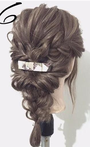 三つ編みで作る!自分でできる結婚式にピッタリなお呼ばれヘア6