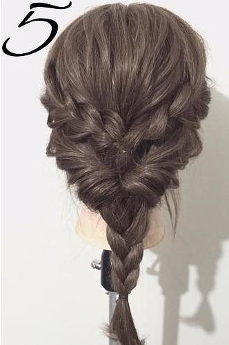 三つ編みで作る!自分でできる結婚式にピッタリなお呼ばれヘア5