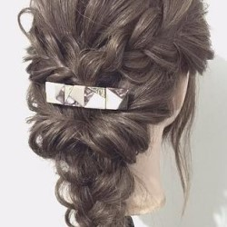 三つ編みで作る!自分でできる結婚式にピッタリなお呼ばれヘア