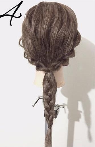 日々のヘアアレンジに特別感を!ひたすら編んで作るシニヨンアレンジ♪4