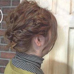 後れ毛がアクセント☆しっかりまとまるけど決まりすぎないまとめ髪☆