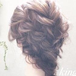 フェミニンな雰囲気がとっても可愛い☆動きのある編み込みダウンヘア!