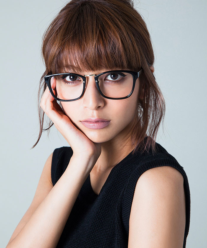 ダテメガネに似合うヘアスタイル