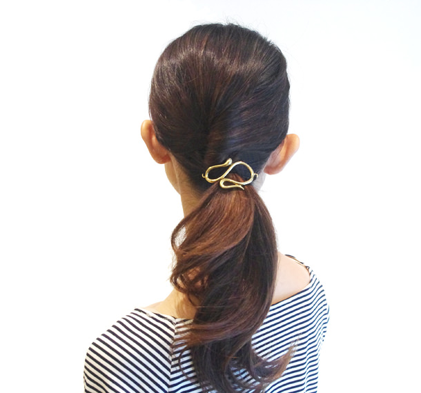 オフィスで使えるヘアスタイル