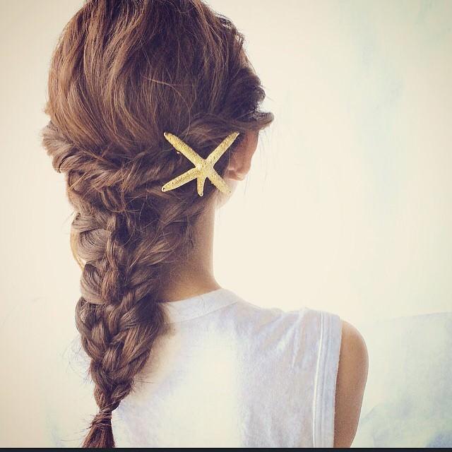 シェル・ヒトデモチーフのヘアアクセを使ったヘアスタイル