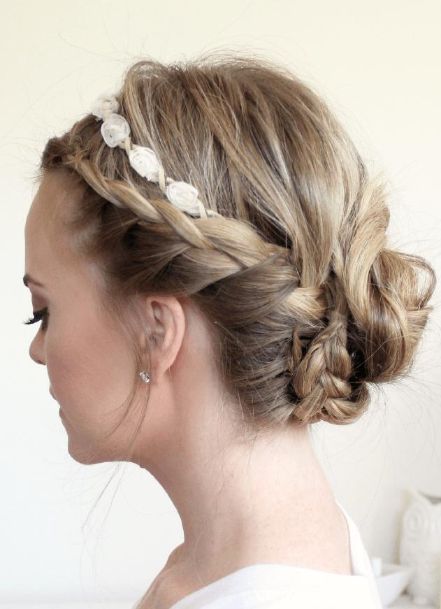 花冠に似合うヘアスタイル