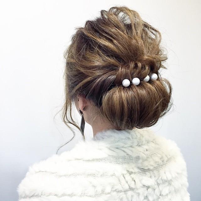 パールピンを使ったヘアスタイル