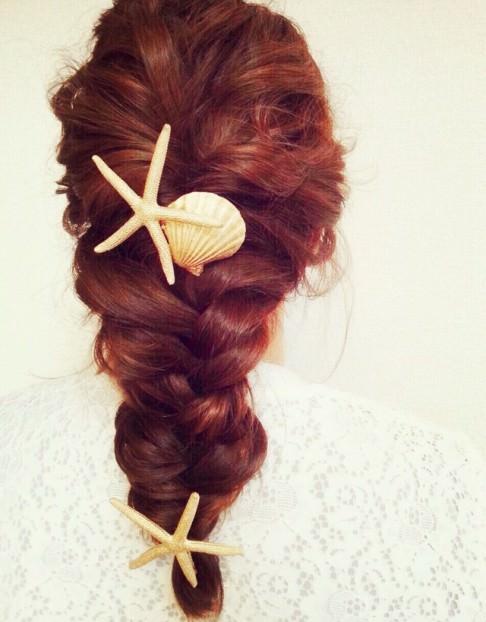 夏に大活躍のシェル・ヒトデモチーフのヘアアクセを使ったヘアスタイル