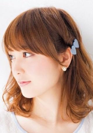 横顔が可愛く見えるサイドヘアアレンジ