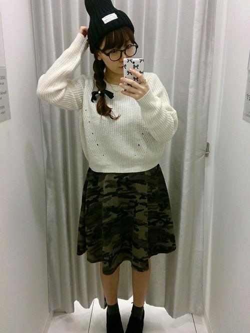 カモフラ柄スカートに似合うヘアスタイル