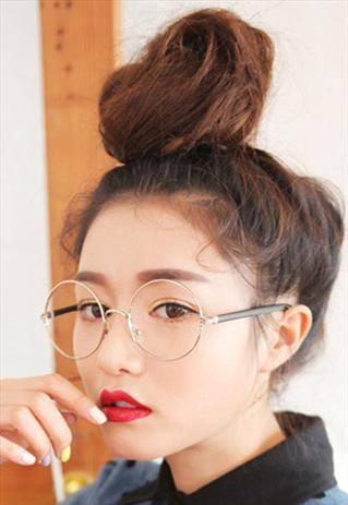 丸メガネに似合うヘアスタイル