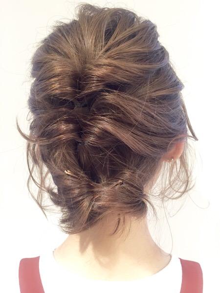 微妙な長さの髪がもっと可愛くなるヘアスタイル