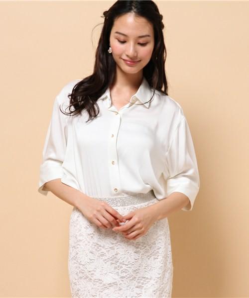 この春注目の「とろみシャツ」に似合うヘアスタイル5