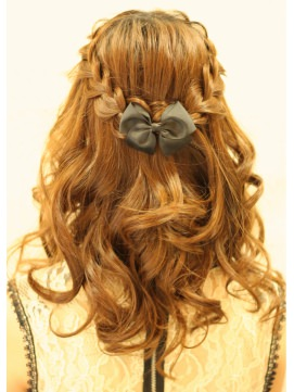 簡単可愛い♪バレッタを使ったヘアスタイル3