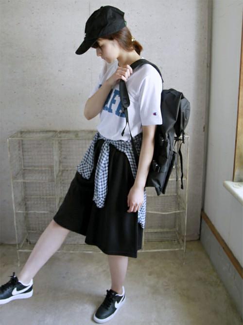 大きめTシャツに似合うヘアスタイル3