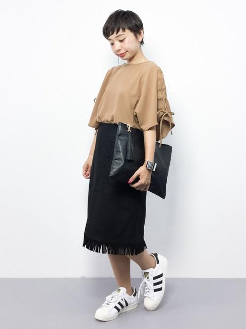 レザースカートに似合うヘアスタイル5