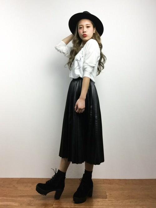 レザースカートに似合うヘアスタイル2