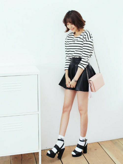 レザースカートに似合うヘアスタイル4