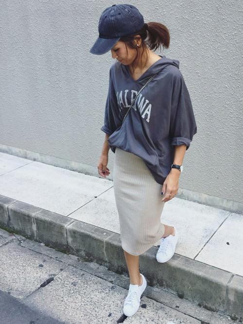 リブスカートに似合うヘアスタイル2