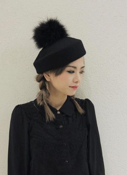 オールブラックコーデに似合うヘアスタイル