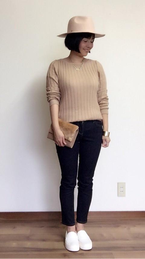 ユニクロの「ワイドリブセーター」の着まわし&ヘアスタイル5Days2