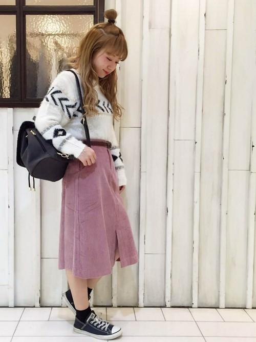 コーデユロイスカートに似合うヘアスタイル1