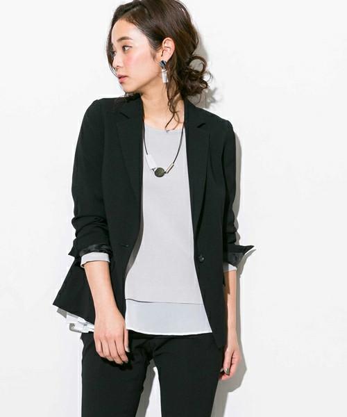 テーラードジャケットに似合うヘアスタイル2