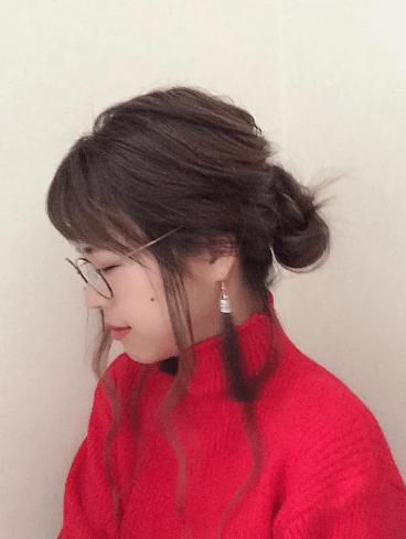 クリスマスカラー☆赤ニットに似合うヘアスタイル1