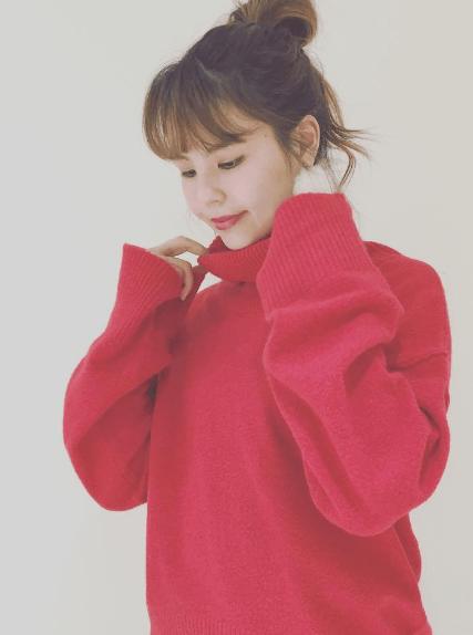 クリスマスカラー☆赤ニットに似合うヘアスタイル2